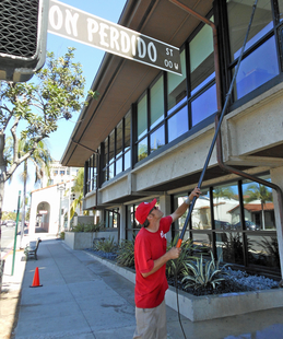 Fish window cleaning santa barbara ca goleta for Fish window cleaning