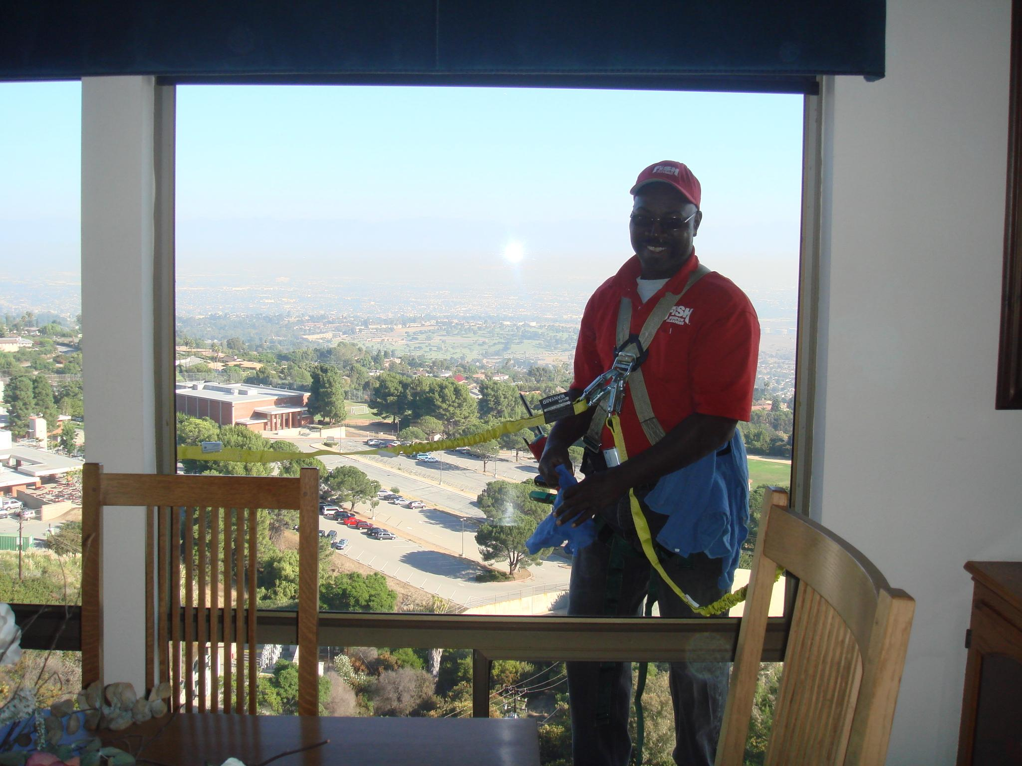 Fish window cleaning los angeles south bay ca for Fish window cleaning reviews