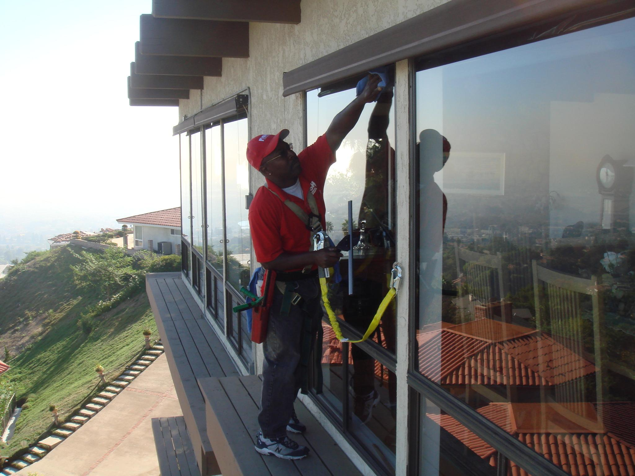 Fish window cleaning los angeles south bay ca for Fish window cleaning