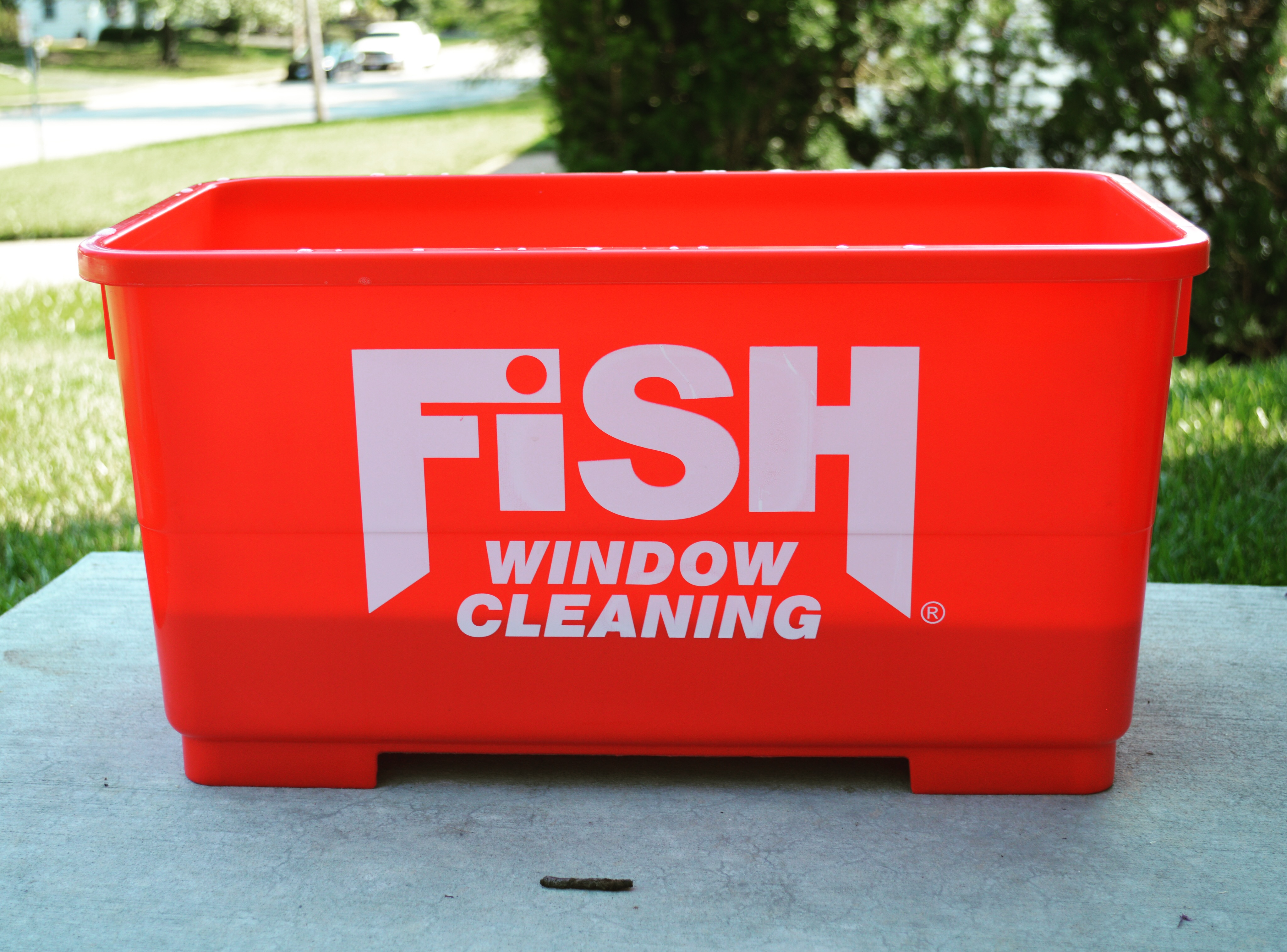 Fish Window Cleaning Bucket