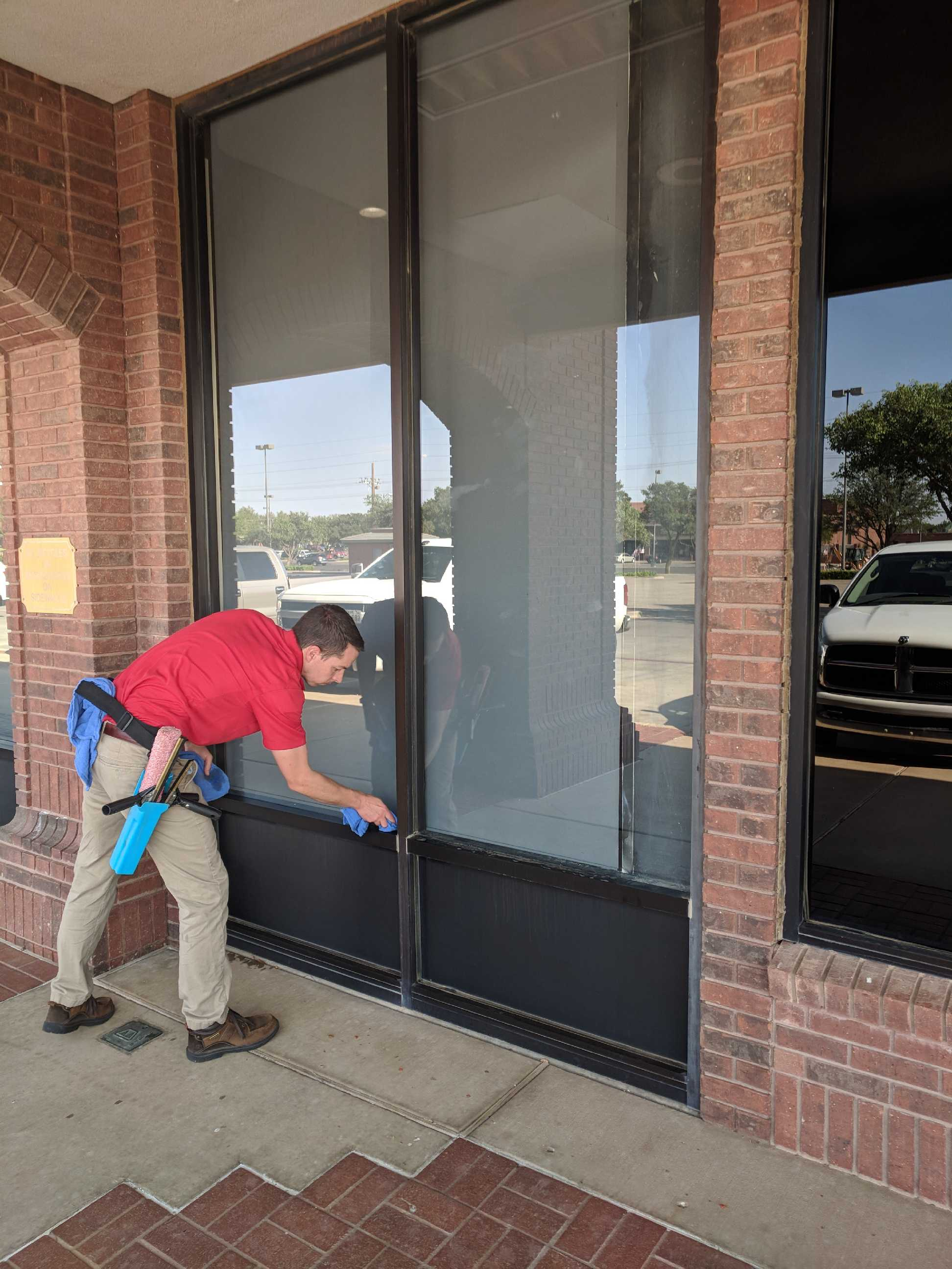 Fish Window Cleaning Lubbock Commercial Window Cleaning