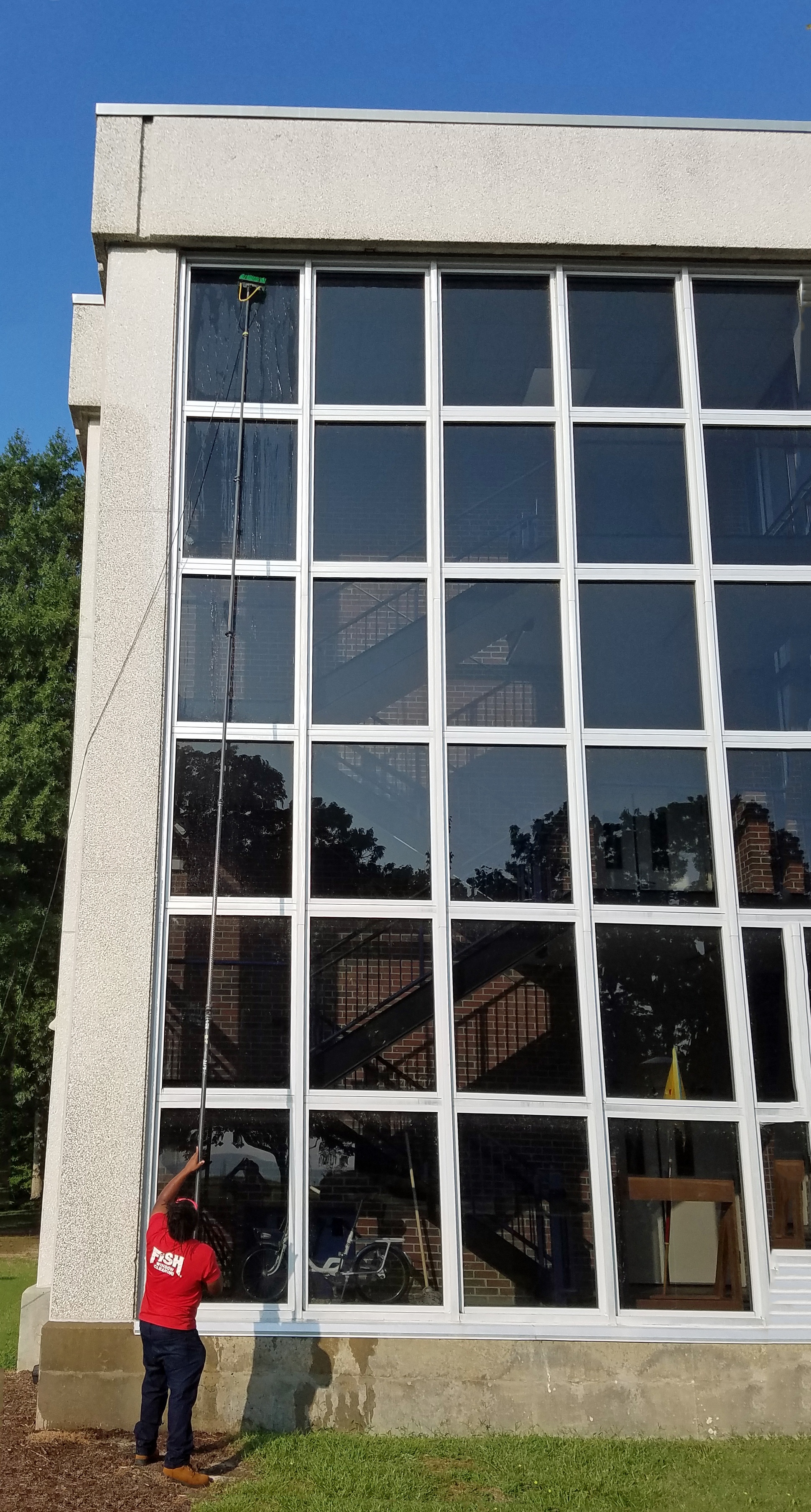 Williamsburg Commercial Window Cleaning