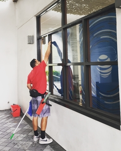 Commercial Window Cleaning in San Diego CA