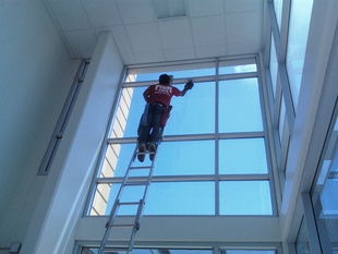 Interior Commercial Window Cleaning